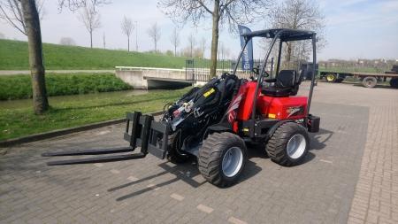 Norcar 7236 shovel afgeleverd bij Hofman uit Moordrecht