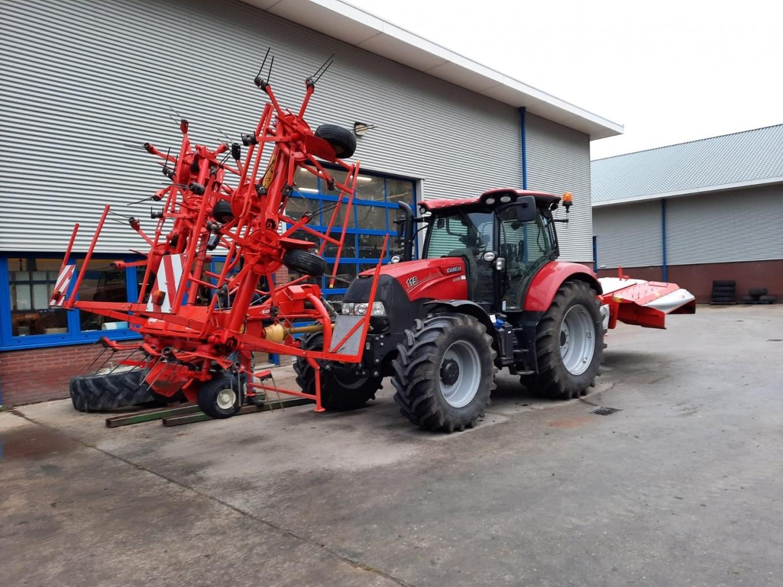 Kuhn hooibouw machines geleverd aan familie de With