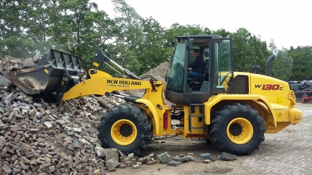 Demo Shovel New Holland W130 ingezet