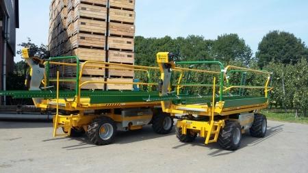 Hoogwerkers afgeleverd bij Fruitbedrijf van der Grift .